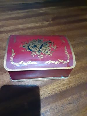 ANTIQUE BOX for Sale in Dallas, TX