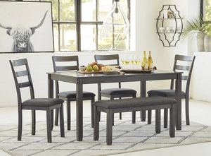New 6pc. Dining table set for Sale in Austin, TX