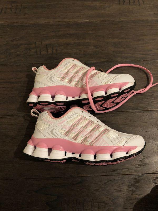 New girls shoe sz 2