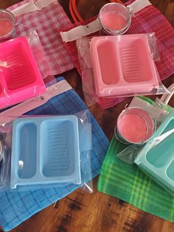 Mini Lavaderitos To Clean Your Makeup Brushes for Sale in Wildomar,  CA