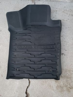 2013-2016 Jeep Grand Cherokee All Weather Mats and Net for Sale in San Diego, CA