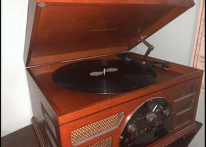 Record player, CD player, aux, cassette tape player in one for Sale in Delaware, OH