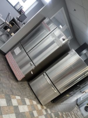 Stainless bottom freezer for Sale in Dearborn, MI