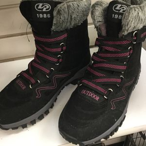 Outdoor Ankle Boots for Sale in Chicago, IL