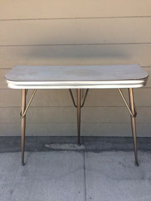 TABLE- RETRO DINER 1950's MID CENTURY HALL TABLE- KITCHEN SIDE TABLE - Stylish. Excellent Condition. Pick up in Escondido $39.00 for Sale in Escondido, CA