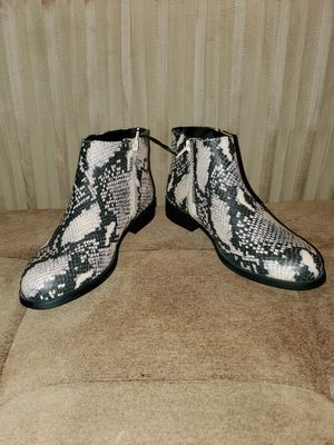 New 🏷 Snake Print Boots for Sale in San Diego, CA