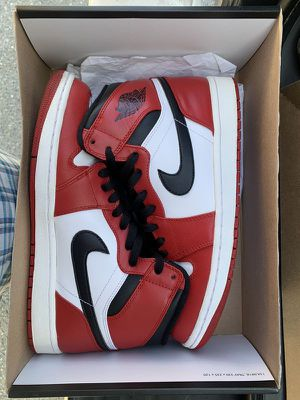 Jordan 1 Chicago size 10 for Sale in New York, NY