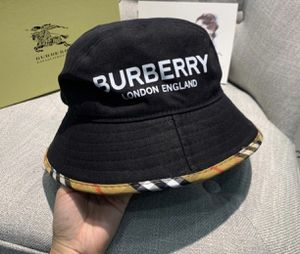 Burberry hat for Sale in Los Angeles, CA