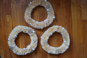 3 White Winter Wreaths for Sale in Chicago, IL