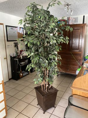Fake Tree 7ft potted plant for Sale in Phoenix, AZ