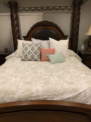 KING 5 piece bedroom set+2 lamps for Sale in San Jose, CA