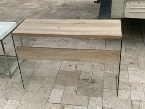 console table (one year old) for Sale in Houston, TX