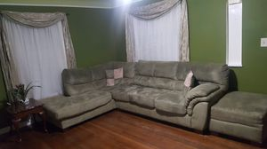 Household FURNITURE! for Sale in WARRENSVL HTS, OH