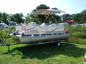 2007 17 foot Pontoon boat. for Sale in Chambersburg, PA