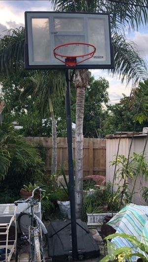 BASKETBALL HOOP for Sale in Lake Worth, FL