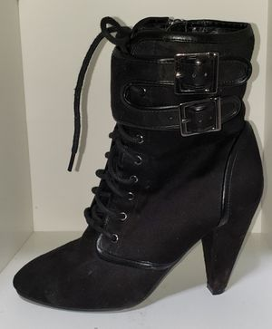 Woman fashion boot for Sale in Poinciana, FL