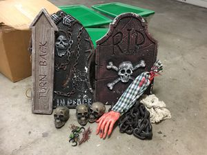 Free halloween decorations for Sale in Laguna Niguel, CA