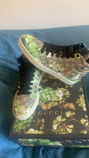 Limited edition Gucci sneakers 9 us for Sale in Silver Spring, MD