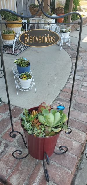 2pc cute welcome/bienvenidos plant stand with red planter packed with succullents for Sale in Orange, CA