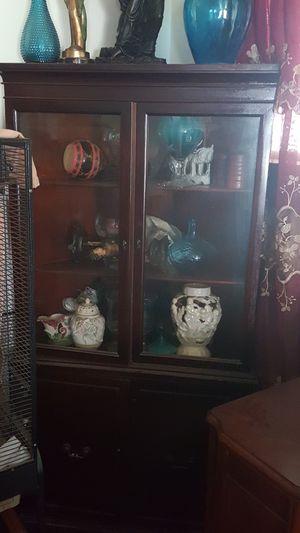 Antique corner cabinet for Sale in BRECKNRDG HLS, MO