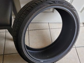 235 35 20 Tire for Sale in Riverside,  CA