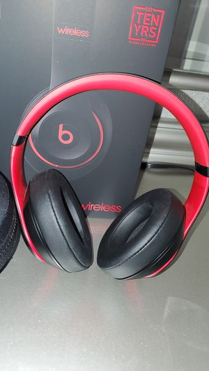 Beats wireless headphones (used once) or best offer for Sale in Kissimmee, FL