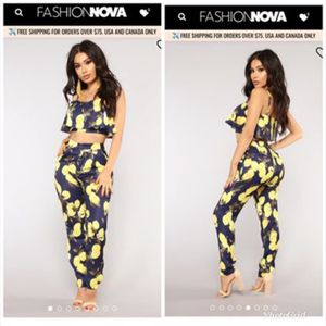 Small and xlarge. Fashion nova set it up set for Sale in Compton, CA