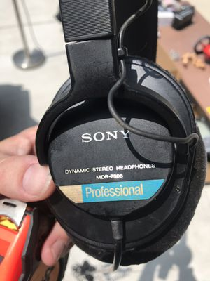 Sony MDR-7506 studio headphones for Sale in Pasadena, CA