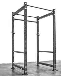 Rogue Fitness RML-490 Power Rack, With Bench & 7ft Olympic Barbell With Olympic Weight Stack, And a Ez Curl Bar. for Sale in Glen Burnie,  MD