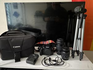 Canon eos rebel t6 with tripod for Sale in Springfield, MA