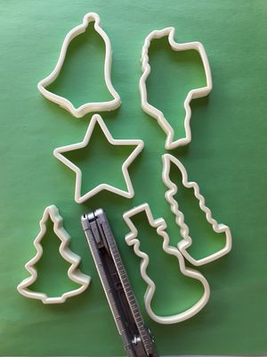 Duncan Hines Christmas Cookie Cutters for Sale in Moriarty, NM