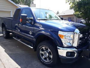 2012 Ford F-350 V8 Turbo Diesel w/Warn winch Lariat Crew cab 8 ft bed for Sale in Cornelius, OR