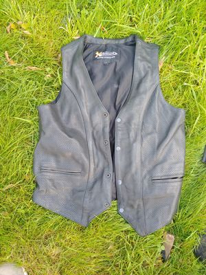 X Element leather vest for Sale in Aberdeen, WA