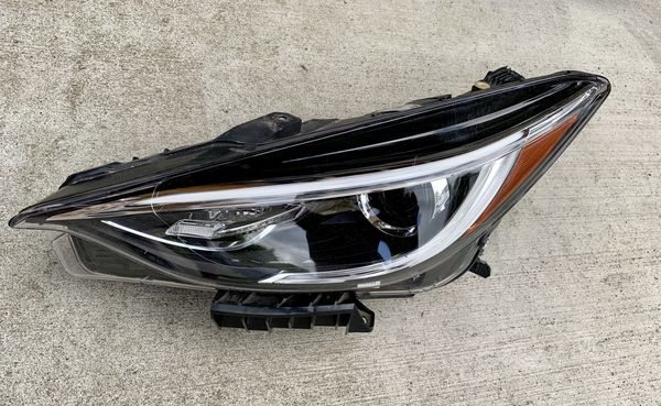 2017 2018 Infiniti QX30 Left Headlight Headlamp Driver Side