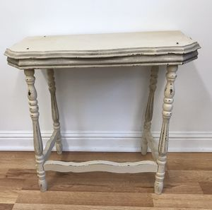 Cute half moon table: needs repair for Sale in Cary, NC