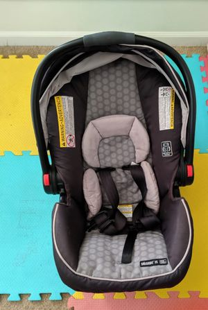 Rarely used Graco modes click connect car seat and stroller for Sale in Nashville, TN