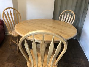 Breakfast Table for Sale in Dayton, OH