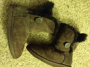 UGG short chocolate boots size 6 for Sale in Oxnard, CA