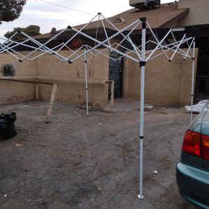 Instant Canopy 10'X10' EZ POP UP Wedding Party Tent Folding Gazebo Canopy Shade Cater Events for Sale in North Las Vegas, NV