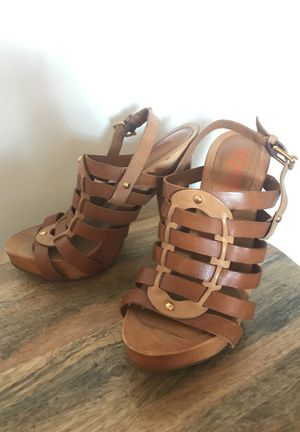 """Genuine Michael Kors 4"""" wood and leather cage pumps size 8 for Sale in Denver, CO"""