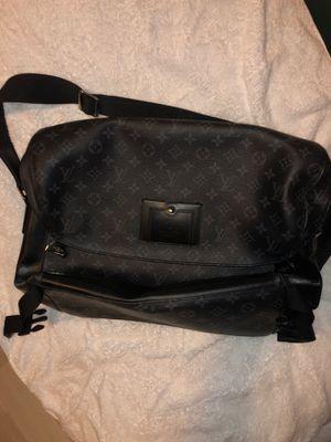 Louis Vuitton Black Messenger Bag for Sale in Fort Lauderdale, FL