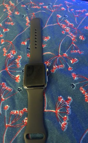 Apple Watch series 3 brand new but iCloud locked no scratches perfect condition for Sale in Minneapolis, MN