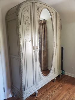 Antique wardrobe cabinet for Sale in Salt Lake City,  UT
