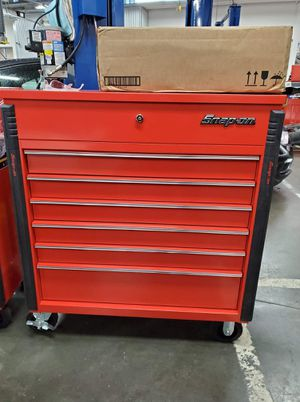 SNAP ON tool box for Sale in LEWIS MCCHORD, WA