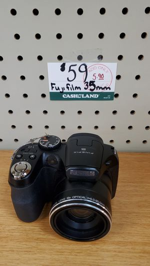 Fujifilm 35mm camera for Sale in Valley View, OH