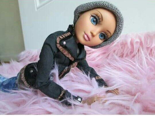 Moxie doll
