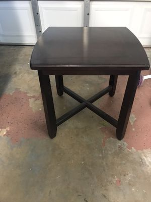 End Table for Sale in St. Petersburg, FL