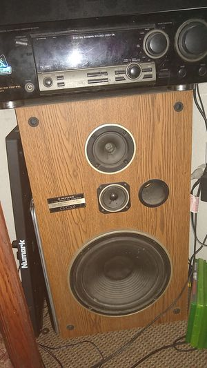 Pioneer system 2 speakers and a receiver will clean up for Sale in Apache Junction, AZ
