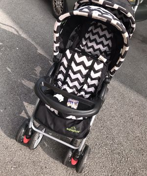 Black & White Double Stroller for Sale in Williamsport, MD