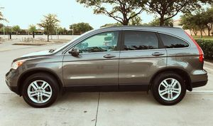 SELLING ONE OWNER HONDA CRV 2010 WELL MAINTAINED NEW TIERS for Sale in Cincinnati, OH